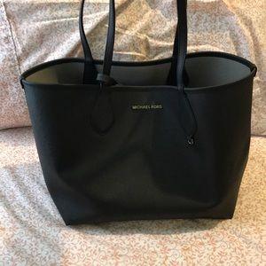 SALE 🏷 Michael Kors Reversible Tote Bag